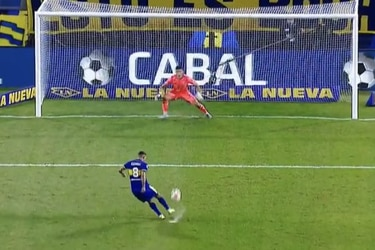 A lo Candelo: la tontería de Cardona que casi le cuesta el Superclásico a Boca Juniors