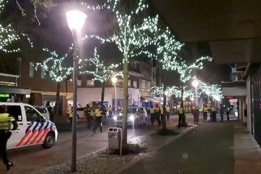 Detienen a más de 150 personas en Países Bajos tras una nueva noche de protestas contra el toque de queda