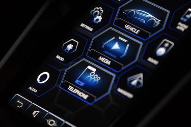 Lamborghini incorpora el asistente por voz Alexa a sus deportivos