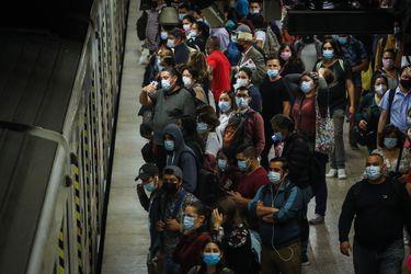 Casos activos totales de Covid-19 en Chile llegan a su peor cifra en ocho meses