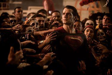 Desmienten las supuestas demandas de Henry Cavill para regresar como Superman