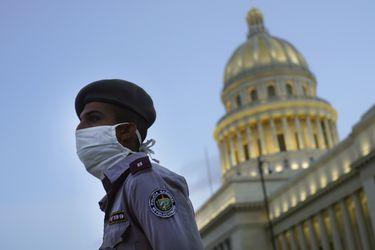 La Habana cierra sus murallas en batalla final contra el coronavirus