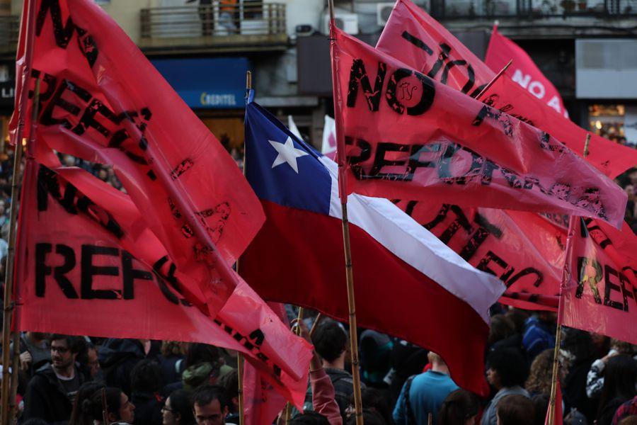 Marcha en Uruguay contra plebiscito que busca crear Guardia Nacional integrada por militares