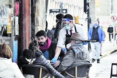 Los Ríos y Aysén: lenta actividad en primer día de desconfinamiento