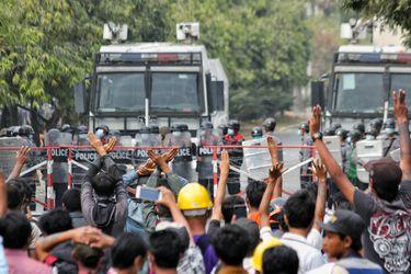 Secretario general de la ONU condena el uso de la violencia en manifestaciones contra el golpe de Estado en Myanmar