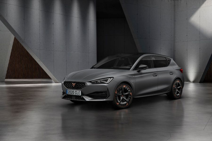 CUPRA-opens-the-doors-of-its-new-headquarters-with-the-debut-of-the-first-CUPRA-Leon_01_HQ