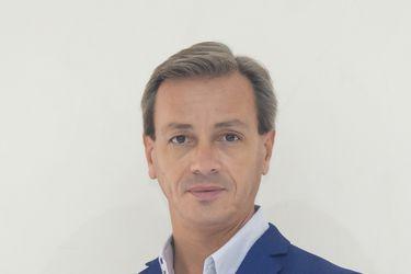 """Luis Ortigoza, director del Ballet de Santiago: """"Soy un convencido defensor de la paridad de género en el ballet"""""""