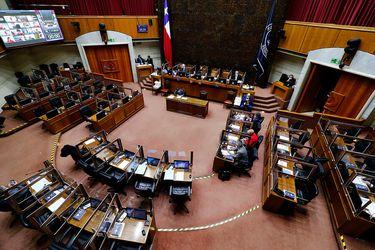 """Grupo de 19 senadores de oficialismo y oposición afirman que sus votos """"no estarán disponibles"""" para postergar la elección de gobernadores regionales"""