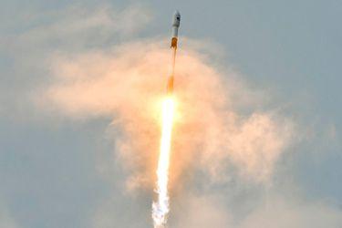 Argentina logra exitoso lanzamiento de su más poderoso satelite