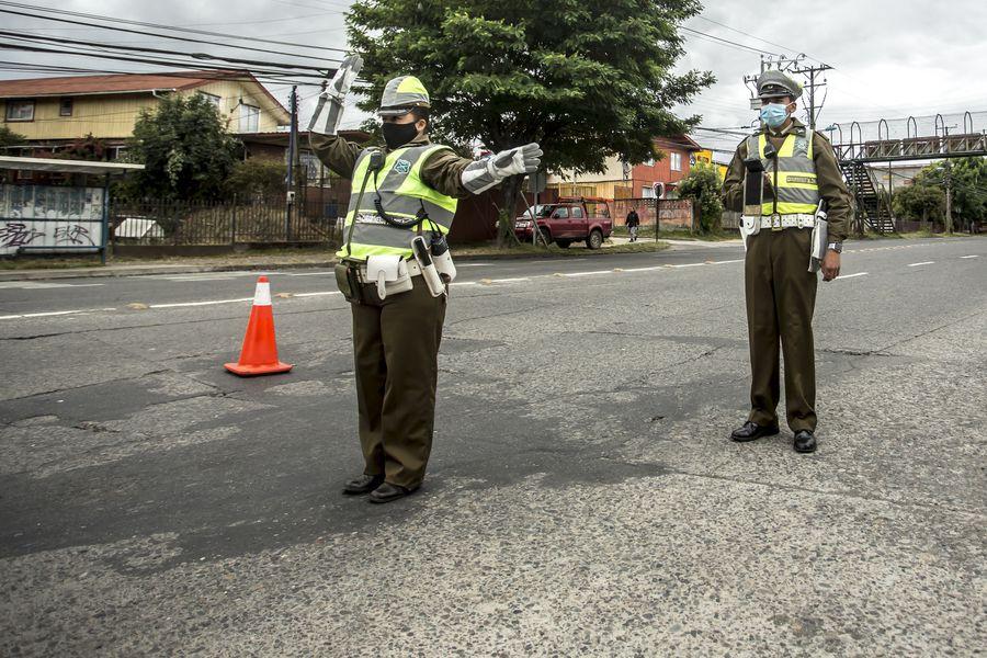 Control policial en Osorno, en la Región de Los Lagos. Imagen referencial.