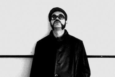 """""""En el Olimpo subterráneo de la poesía chilena"""": Rodrigo Lira vuelve a la vida con cuadernos inéditos"""