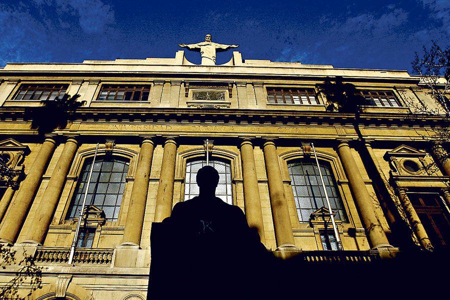 UC_WEB La Universidad Católica deberá volver a hacer una investigación administrativa al sacerdote Rodrigo Polanco.