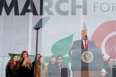 Trump asiste a marcha contra el aborto en Washington