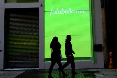 Falabella destaca auge del e-commerce y acusa golpe por estallido social