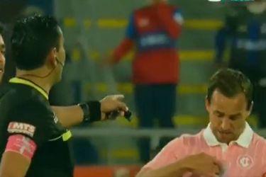 ¿Por qué Chapa Fuenzalida le enrostró el símbolo de campeón a Tobar? El gesto del capitán de Católica que dejó el triunfo ante Wanderers