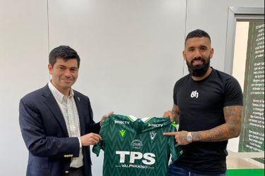 Ronnie Fernández deja Arabia Saudita y retorna a Wanderers