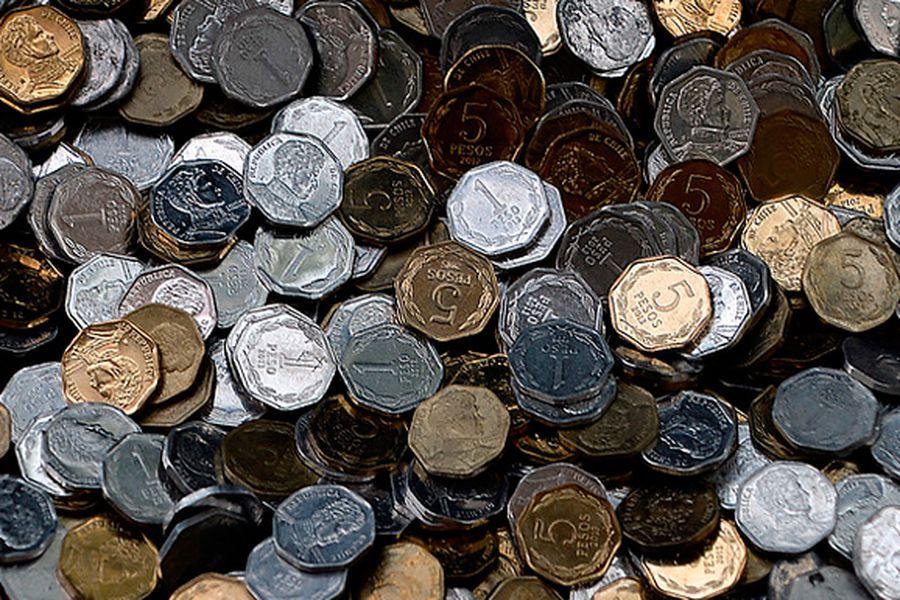 ¿Por qué fabricar una moneda de $ 5 al Estado le significa un gasto de $ 17? - La Tercera