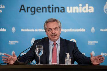 Argentina posterga por decreto pago de deuda por US$ 9.800 millones hasta 2021