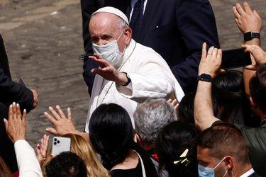 """""""Es una manera simple pero profunda de promover el bien común"""": Papa Francisco insta a todos a vacunarse contra el Covid-19"""