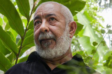"""Leonardo Padura: """"Estén o no, por ahora, Fidel y Raúl siguen dirigiendo la vida en Cuba"""""""