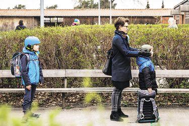 Dinamarca reabre colegios pese al temor de familias por el coronavirus