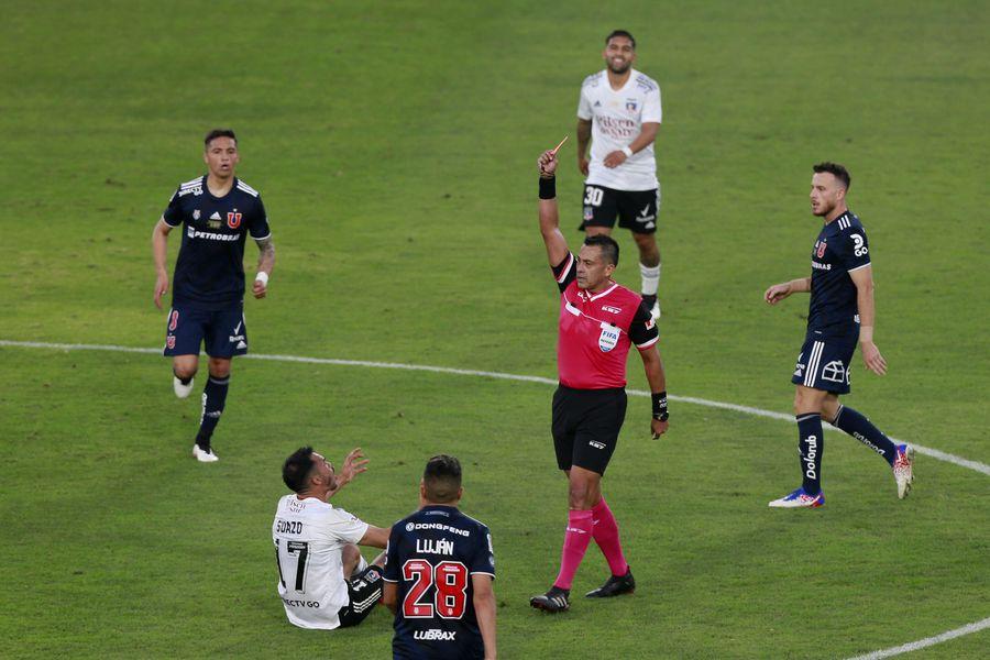 Gabriel Suazo recibió dos fechas de castigo tras ser expulsado en el Superclásico.