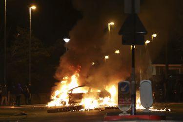 Choques entre manifestantes y la policía: la violencia vuelve a las calles de Irlanda del Norte