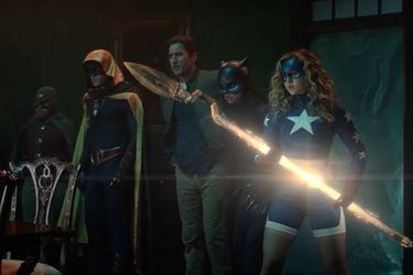 The Shade ataca a la Sociedad de la Justicia en el nuevo tráiler para la segunda temporada de Stargirl