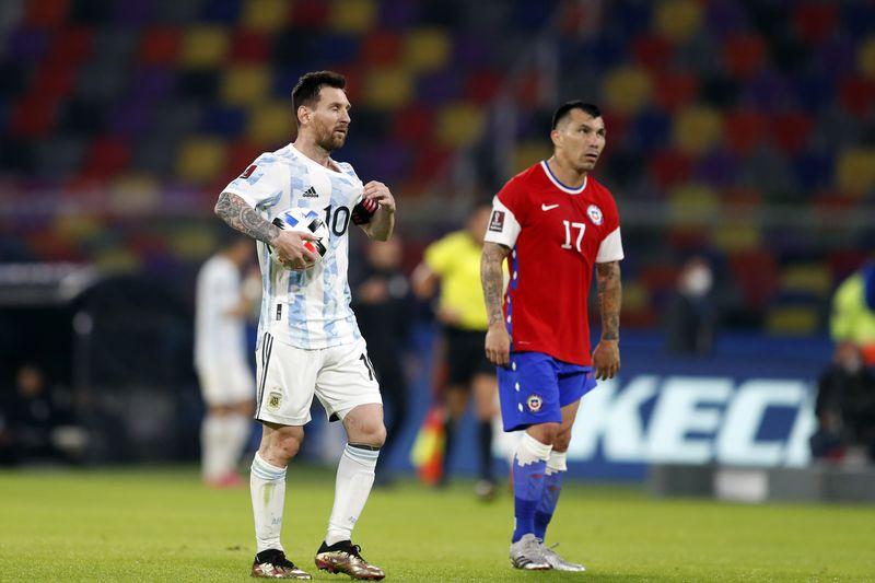 Gary Medel fue uno de los puntos altos de la Selección Chilena ante Argentina. Foto: Agencia Uno.