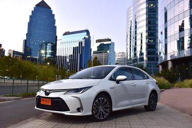 Toyota Corolla Sedán: el hit mundial de ventas se renueva en Chile