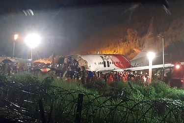 Avión se estrella en aeropuerto al sur de India: al menos 17 fallecidos y cerca de 90 heridos