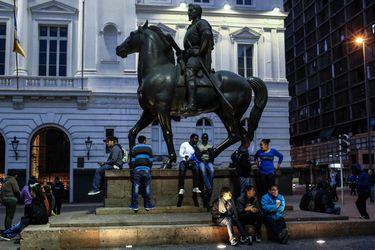 Imagen Extranjeros Plaza de Armas 035_previ (40880388)