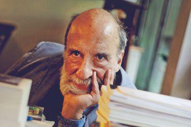 """Raúl Zurita: """"Con Gabriela Mistral, he sido el poeta más atacado de Chile"""""""