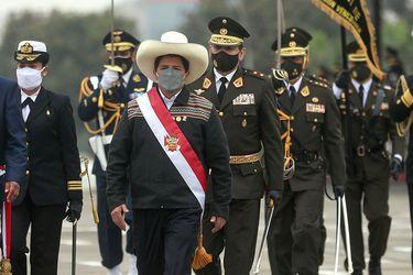 Pedro Castillo designa una nueva cúpula militar en Perú