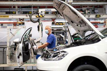 Economía de la zona euro se contrajo una vez más y corre el riesgo de una doble recesión