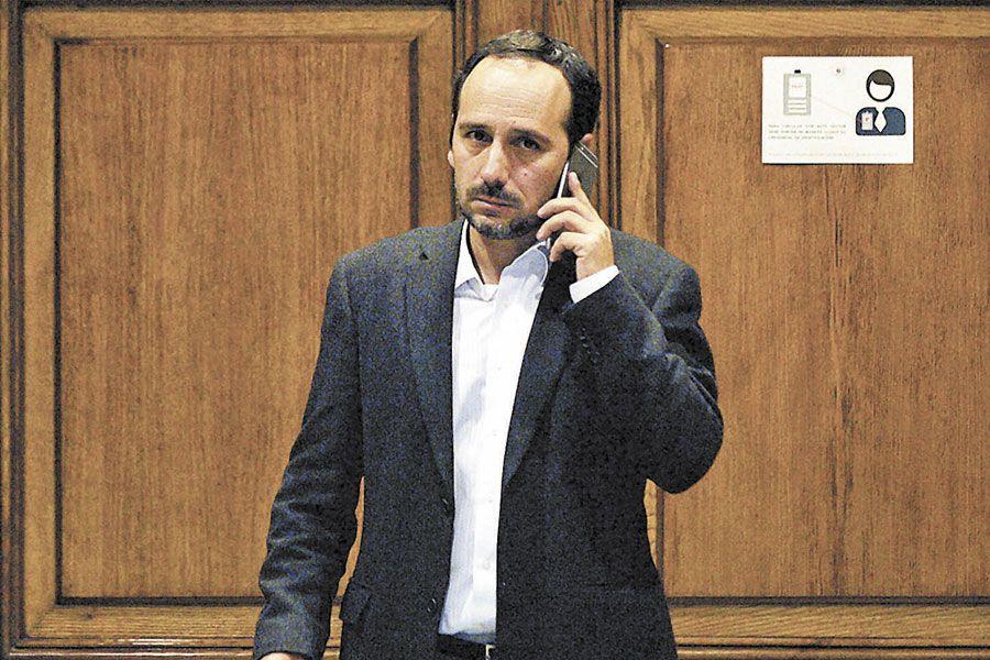 El diputado Daniel Núñez, jefe de la bancada comunista
