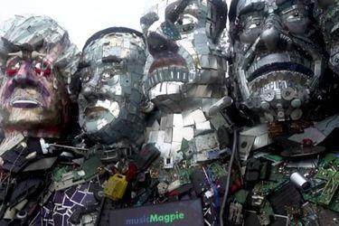 Artistas crean esculturas de líderes del G7 con basura electrónica