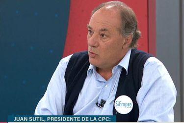 """Líder de la CPC sale al paso de críticas a empresarios por alza """"imprudente"""" de isapres y aborda la polémica foto de Piñera en Plaza Itaia"""