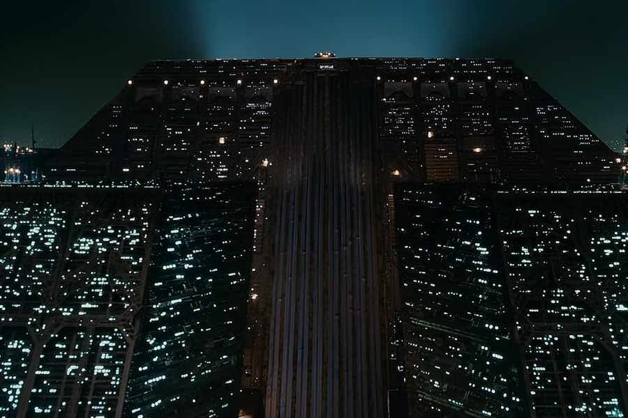 Screenshot-Blade-Runner-©-Warner-Bros