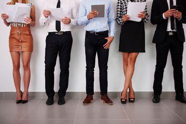 """Las mujeres obtendrían salarios más altos que los hombres al egresar de carreras """"masculinizadas"""""""