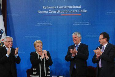 """De criticado a valorado: El """"revival"""" del proyecto constitucional de Bachelet"""