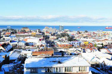 Punta Arenas sigue liderando en casos activos aunque registra leve baja y Licantén es la única comuna con tasa de incidencia de activos mayor a mil
