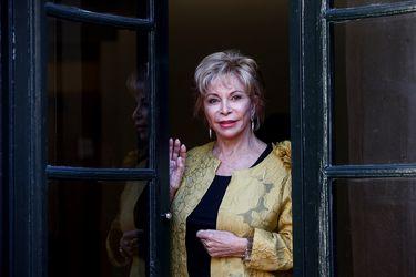 """Isabel Allende y la epidemia en Estados Unidos: """"Esto ha sido una lección brutal y supongo que estamos aprendiendo mucho"""""""