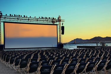 France-Cannes-film-festival-sea-screen-chairs_1920x1080