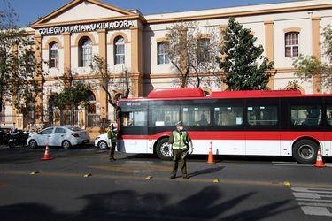 Ministra Hutt: pasajeros de transporte público se han reducido un 85% por medidas sanitarias