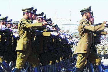 Retiro de cinco generales da paso a nuevo Alto Mando