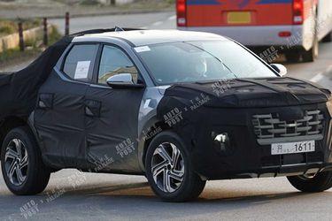 La camioneta Hyundai Santa Cruz se deja ver cada vez con menos camuflaje