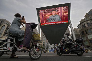 El Presidente chino Xi Jinping pide a los ricos que reduzcan las desigualdades