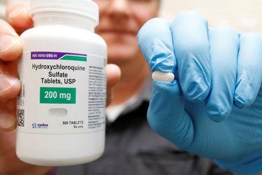 Escándalo en revista científica: autores de estudio se retractan de conclusiones contra hidroxicloroquina, el fármaco que Trump afirmaba consumir