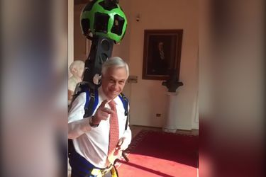 Los memes del paseo con la mochila de Street View de Sebastián Piñera